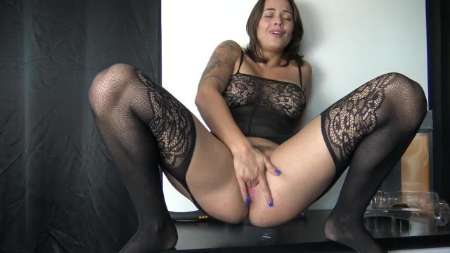 pufók fogság pornó