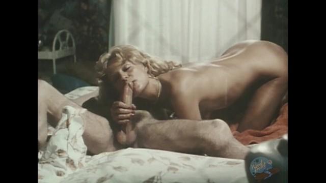 Leszbikus csók pornó videó